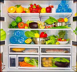 picture of chilled and perishable foods inside commercial restaurant refrigerator